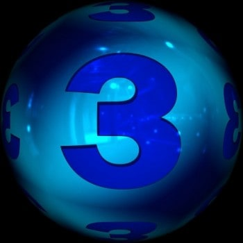 Marketing's rule: only 3 % are ready to purchase now is depicted with light blue sphere with a dark royal blue number 3 in the center of it.